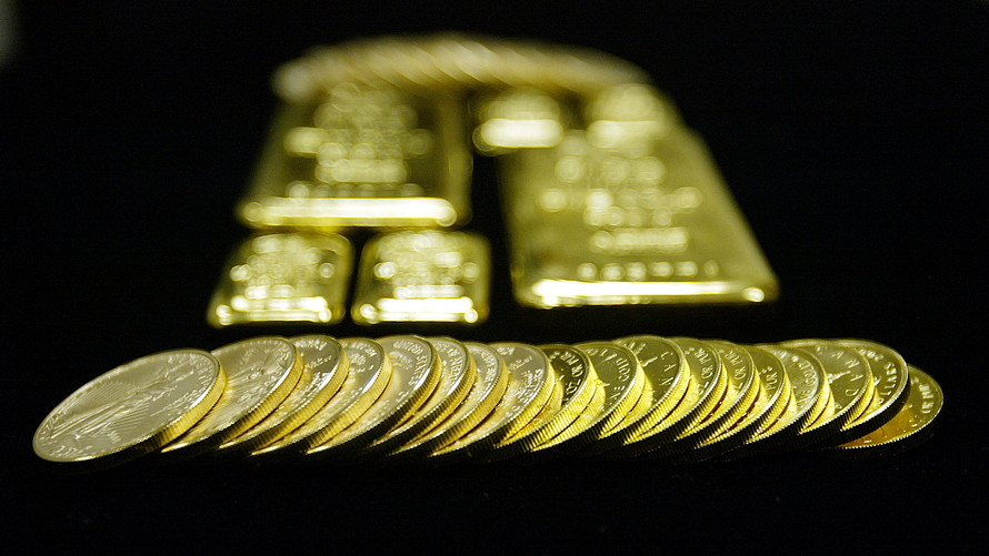 Gold settles higher, extends climb to 6-year high; silver ends at loftiest level since 2016